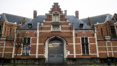 Le procès des agents pénitentiaires et d'une directrice de la prison de Forest débute ce mardi