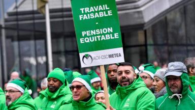 Manifestation pour les pensions: entre 5.000 et 10.000 enseignants dans la rue mercredi