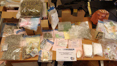 Plus de 5 kilos de différentes drogues retrouvés après l'interpellation de dealers présumés