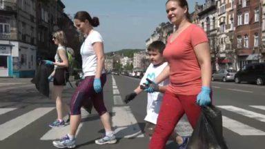 """Courir pour plus de propreté dans son quartier: le premier """"plogging"""" organisé à Bruxelles"""