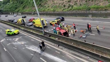 Ring de Bruxelles : un accident provoque de longues files à Wezembeek-Oppem (photos)