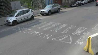 Rue Masui : les habitants dessinent eux-même un passage pour piétons pour plus de sécurité