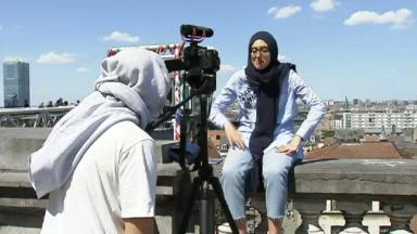 """""""Ah, si j'étais bourgmestre!"""": du rap comme programme électoral de jeunes qui se glissent dans la peau d'un bourgmestre"""
