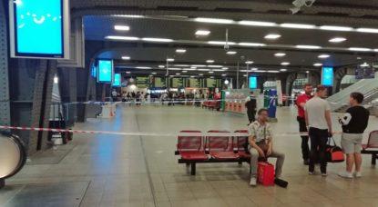 """Mouvement de foule à la gare de Bruxelles-Midi """"à cause d'un coup de feu"""" : le suspect est en fuite - BX1"""