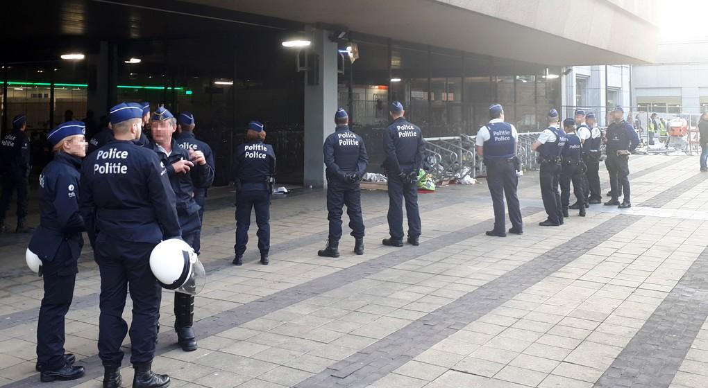 Transmigrants : un accord trouvé entre le fédéral et les polices locales pour la gestion de la gare du Nord - BX1