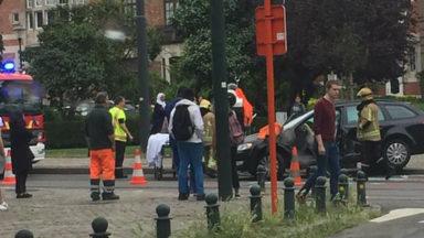 Ixelles : un blessé léger après un accident entre un tram et une voiture