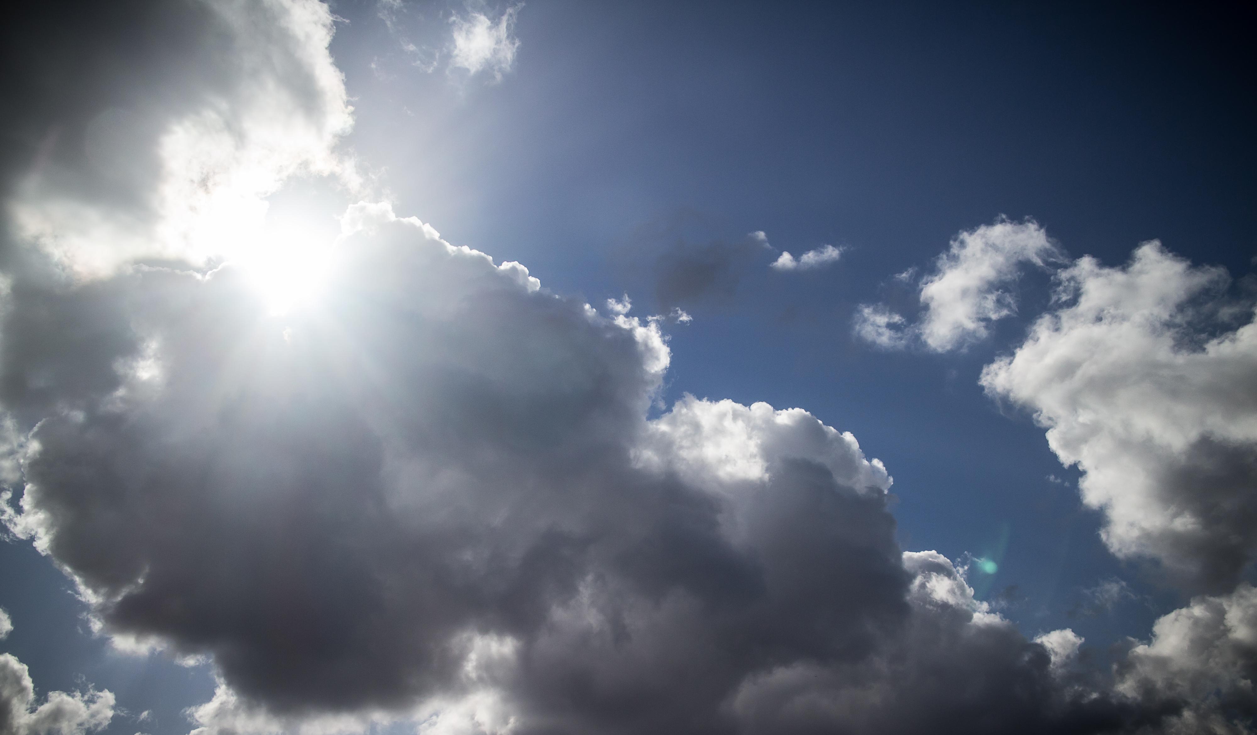 Météo : un temps nuageux et plus frais pour ce jour férié - BX1
