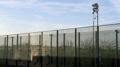 """Le syndicat national de police critique le centre d'accueil des migrants au 127bis : """"De l'amateurisme"""""""
