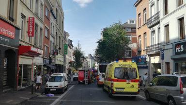 Saint-Gilles : feu de toiture sur la chaussée de Waterloo, situation sous contrôle