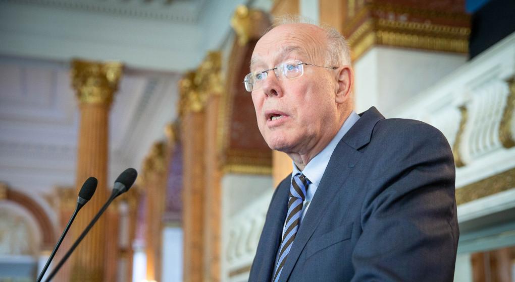 Charles Picqué (PS) à propos du décumul de mandats - BX1