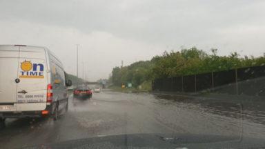 Inondations sur l'E40 en direction de Bruxelles : la circulation est enfin rétablie