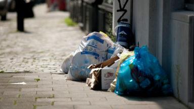 Une action syndicale perturbe la collecte des sacs poubelles à Bruxelles, Ixelles et Uccle : la grève pourrait se prolonger