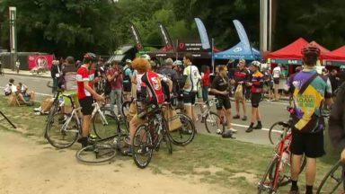Près de 3.000 cyclistes ont participé au deuxième BXL Tour