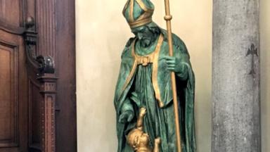 Tout juste rénovée, la statue de Saint-Nicolas a été installée dans l'église du centre-ville