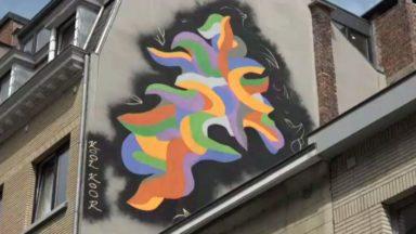 Bruxelles : l'artiste américain Kool Koor dévoile une nouvelle fresque du parcours Street Art au quai du Foin