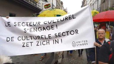 Bruxelles : plus de 300 personnes ont marché pour les migrants avec le secteur culturel