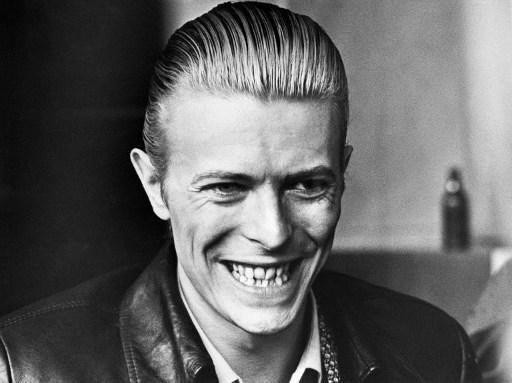 La première démo de David Bowie aux enchères — Guardian