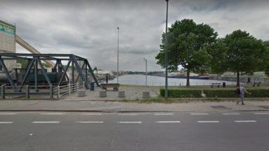Bruxelles : les pompiers repêchent et réaniment une personne tombée dans le canal