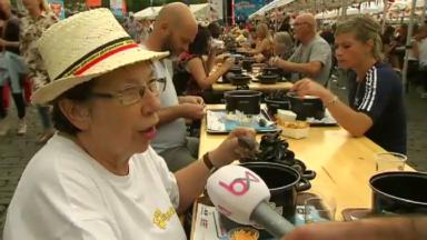 Le Resto national a servi 1.700 moules-frites au coeur du quartier des Marolles