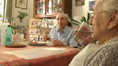 Face au pic de chaleur, les personnes âgées font l'objet d'une attention particulière