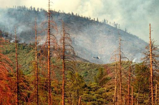 Les pompiers progressent, mais les conditions restent défavorables — Californie/incendies