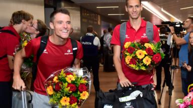 Championnats d'Europe d'athlétisme: la délégation belge accueillie par des fans à Brussels Airport