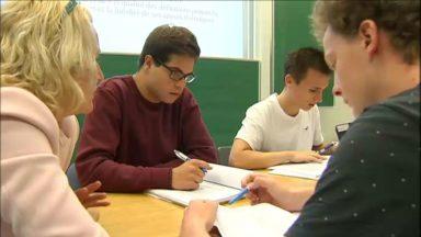 De futurs étudiants se préparent à l'université durant trois semaines