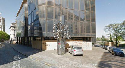 Sculpture Pol Bury - Ancien siège Dexia - Google Street View