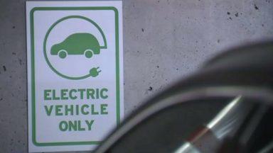 Des bornes gratuites pour recharger les véhicules électriques : voici comment cela fonctionnera