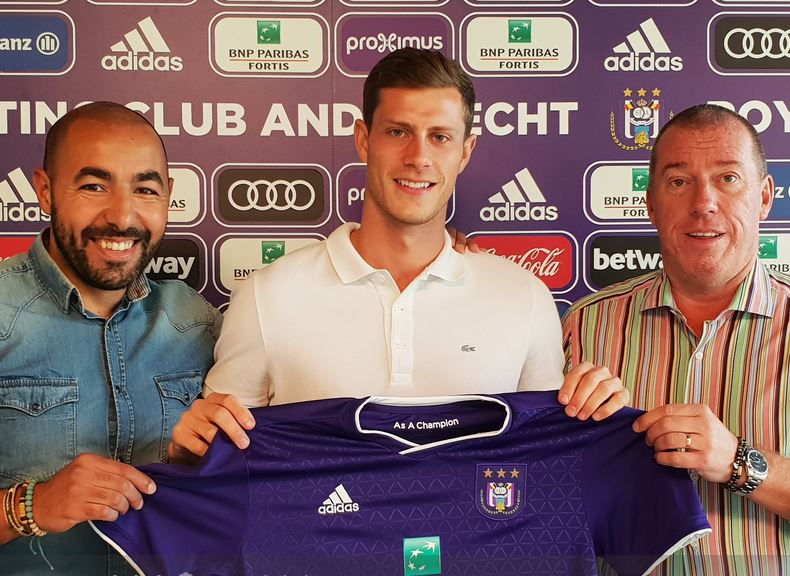 6b52d9b8a8 Football   Anderlecht engage le défenseur anglais de Trencin James Lawrence