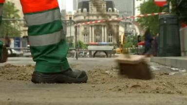 Molenbeek : un balayeur distribuait des tracts du PS/ SP.A pendant ses heures de travail