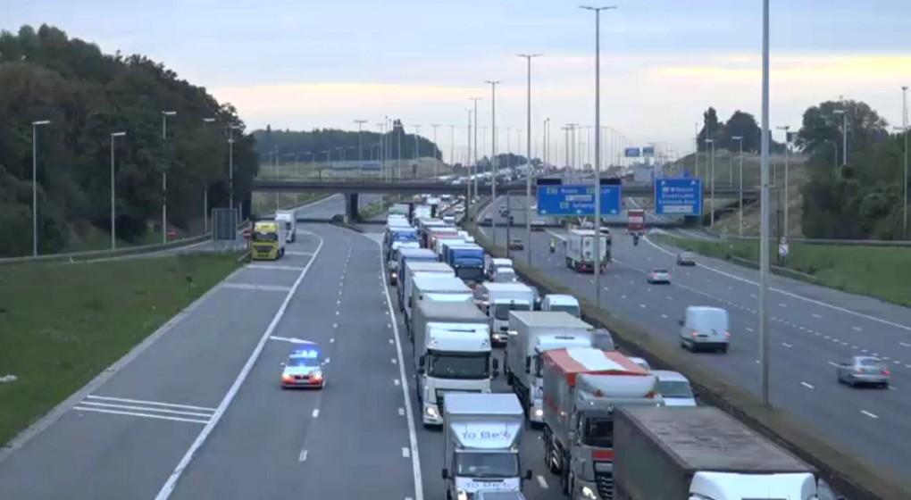 Ring Bruxelles - Embouteillages après accident 03092018 - BX1