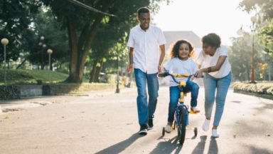 Choisir d'avoir un enfant pourrait représenter une perte de 1.334 euros par mois