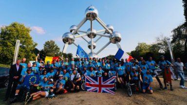 Un groupe de personnes en chaises roulantes parti de Londres est arrivé à Bruxelles