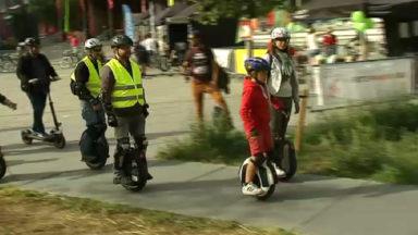 """Plus de 150 """"wheelers"""" en balade à Bruxelles"""
