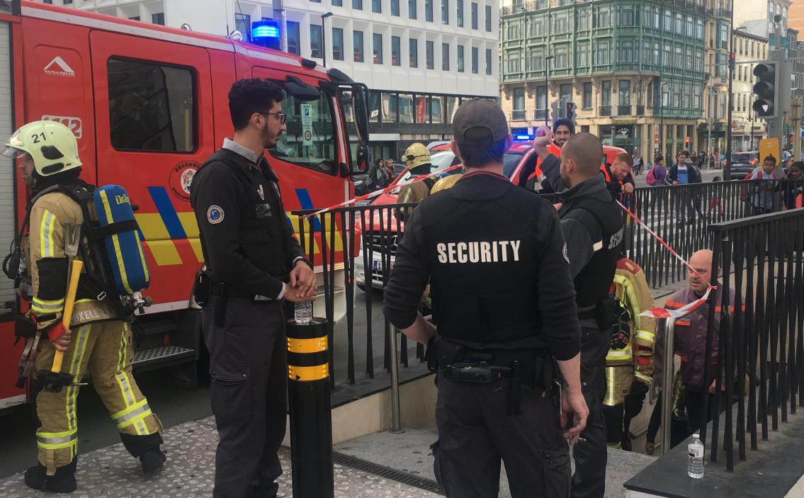 Évacuation de la station De Brouckère à cause d'une odeur de gaz