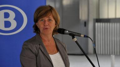 Sophie Dutordoir, CEO de la SNCB, menace de suspendre les trains vers la Côte