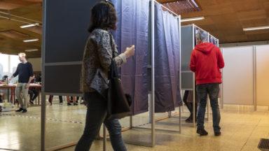 Le parlement bruxellois lance le débat sur le droit de vote des Européens aux régionales
