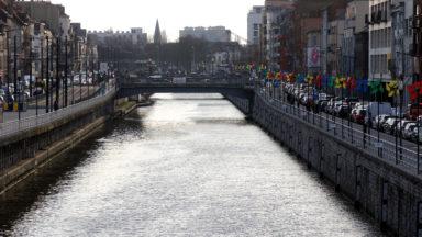 Le projet de transporter des voitures d'occasion sur le canal entre Bruxelles et Anvers tombe à l'eau