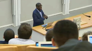 Honoré à l'ULB, le docteur Denis Mukwege a donné un cours exceptionnel aux étudiants en médecine