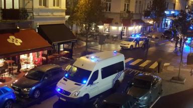 Ixelles: un homme menace de faire feu dans un restaurant