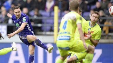 Le RSC Anderlecht s'impose contre La Gantoise grâce à un doublé inédit de Sven Kums (2-0)