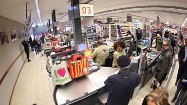 Delhaize ne vend plus de sacs en plastique à la caisse