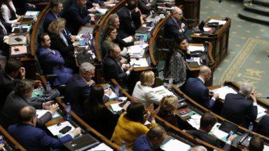 Un débat sur la situation politique à la Chambre ce mercredi, une possible motion de méfiance prévue dans une semaine