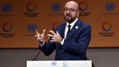 """La Belgique """"sera du bon côté de l'Histoire"""" avec le Pacte sur les migrations, clame Charles Michel"""