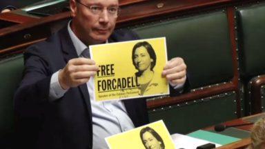 La N-VA crée l'incident à la Chambre en affichant son soutien à l'ex-présidente du parlement catalan