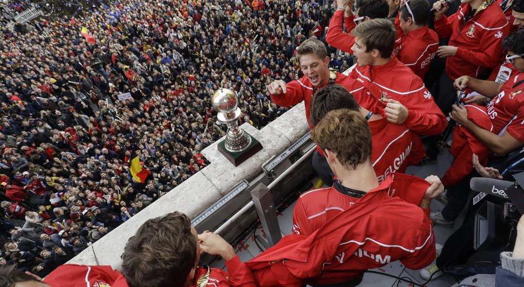 Hockey Sur Gazon   Les Red Lions Accueillis Par Le Roi