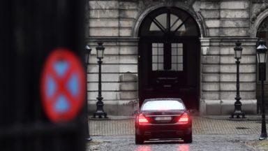 Au lendemain de la démission du gouvernement Michel, le Roi enchaîne les consultations au Palais royal