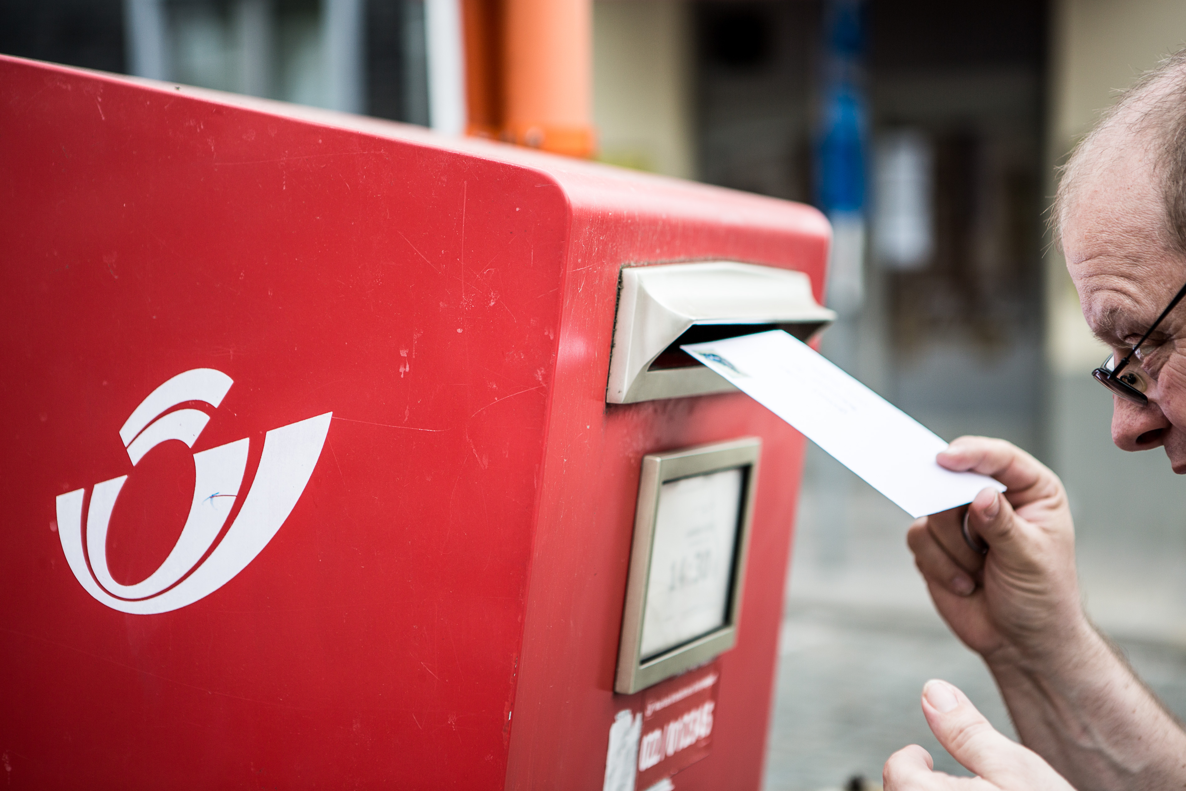 Bpost Retire 3 000 Boites Aux Lettres Rouges