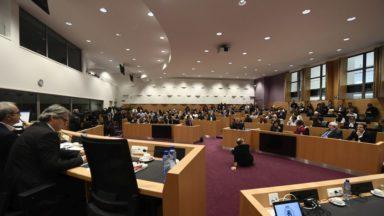 Constitution : la révision d'une quarantaine d'articles approuvée en commission